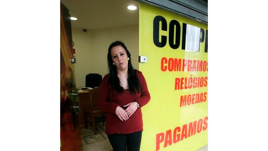 264da681e Patrícia Ribeiro foi ameaçada por um ladrão que escondeu o rosto durante ...