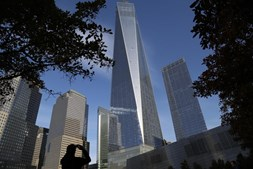 A torre One World Trade Center, construída no local dos atentados, foi inaugurada em 2014